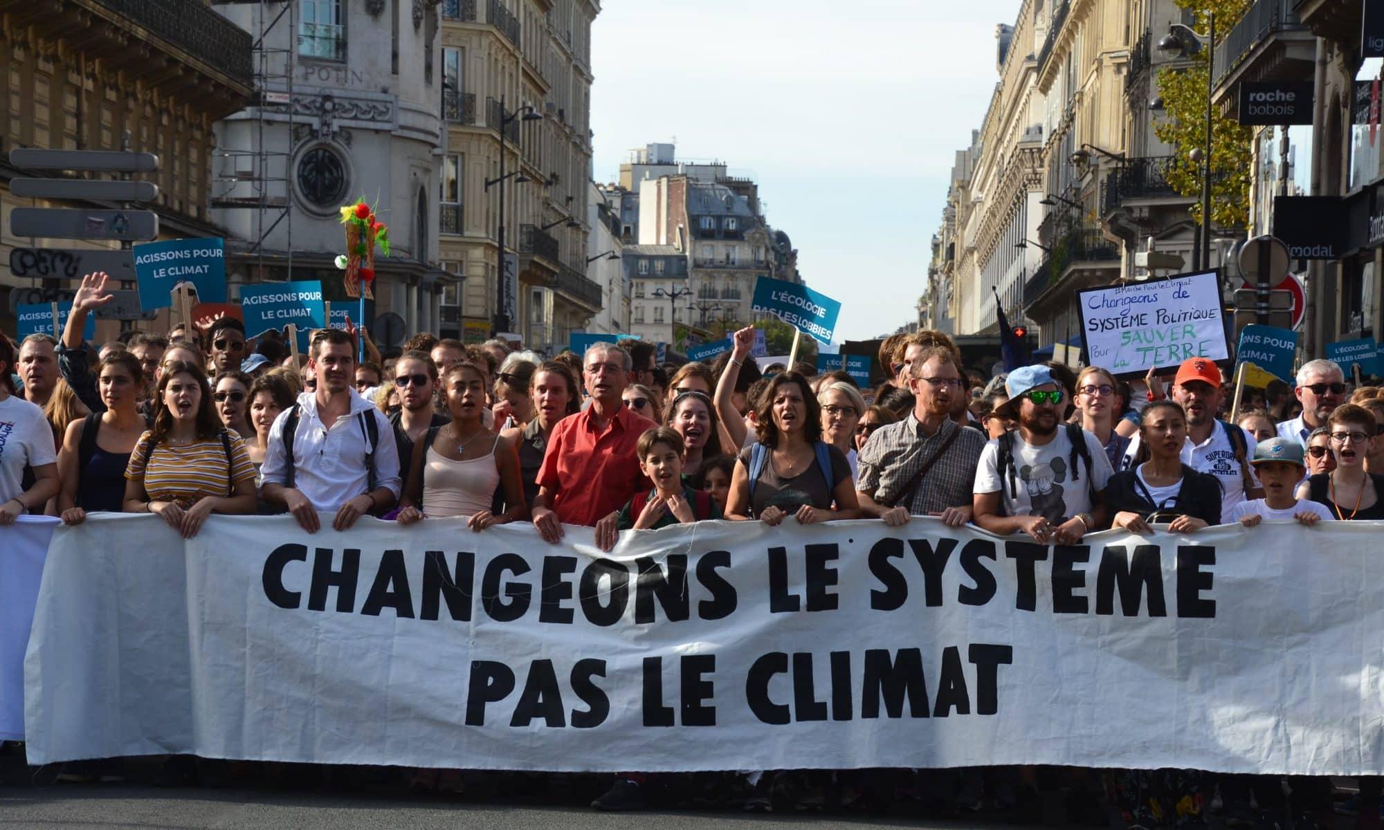 Gilets jaunes : le climat au centre des débats